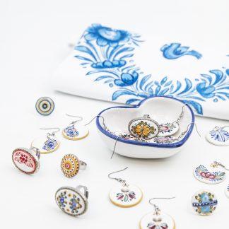 Šperky a odevy